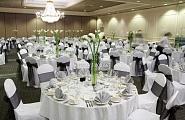 Украшение свадебного зала в ретро стиле (бело-черный строгий тон)