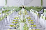 Комплексное украшение зала: столы, стулья, стол для молодых