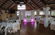 Украшение зала на свадьбу в кафе Бронгал