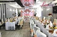 Украшение зала на свадьбу в кремовом цвете